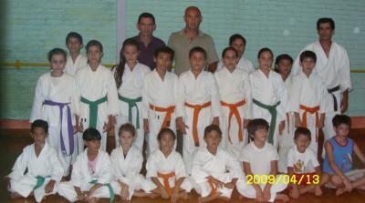 Dante Pigerl visito Escuela de Karate AKTA en Ñú Porá