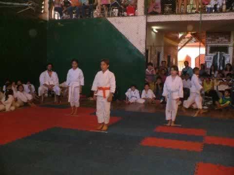 Fotos - Nov 2006 - 1° Encuentro Interescolar de Dojos - 06